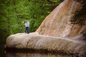 Read more about the article Chantal + Tom's Saratoga Engagement Photos – Saratoga Wedding Photographer